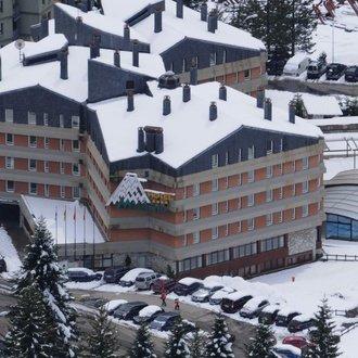 Fachada El Hotel de Baqueira Beret