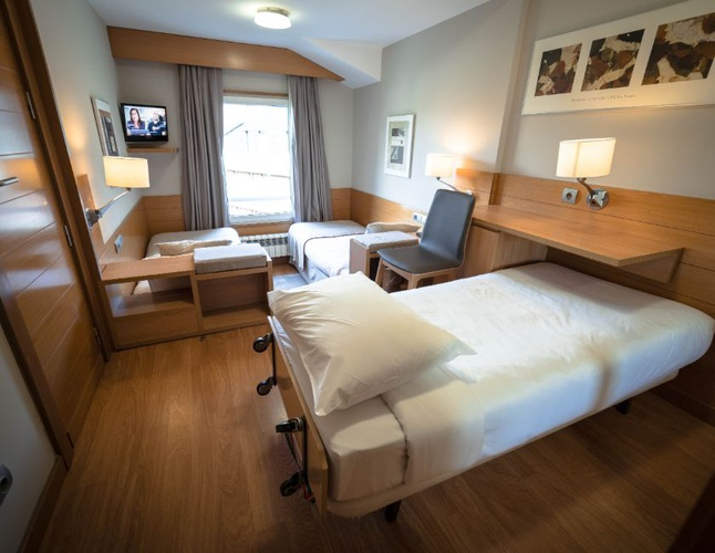 Double + extra bed montarto hotel baqueira beret