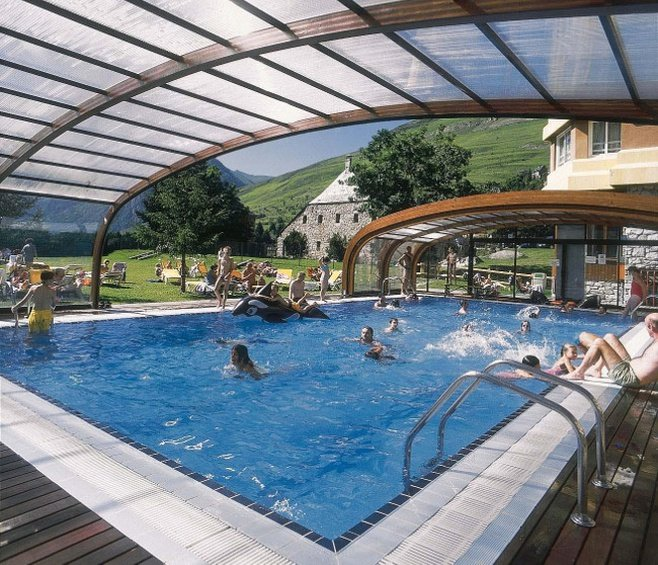 Swimming pool montarto hotel baqueira beret