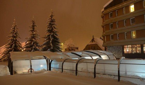Piscina exterior cubierta y climatizada: El Hotel de Baqueira Beret